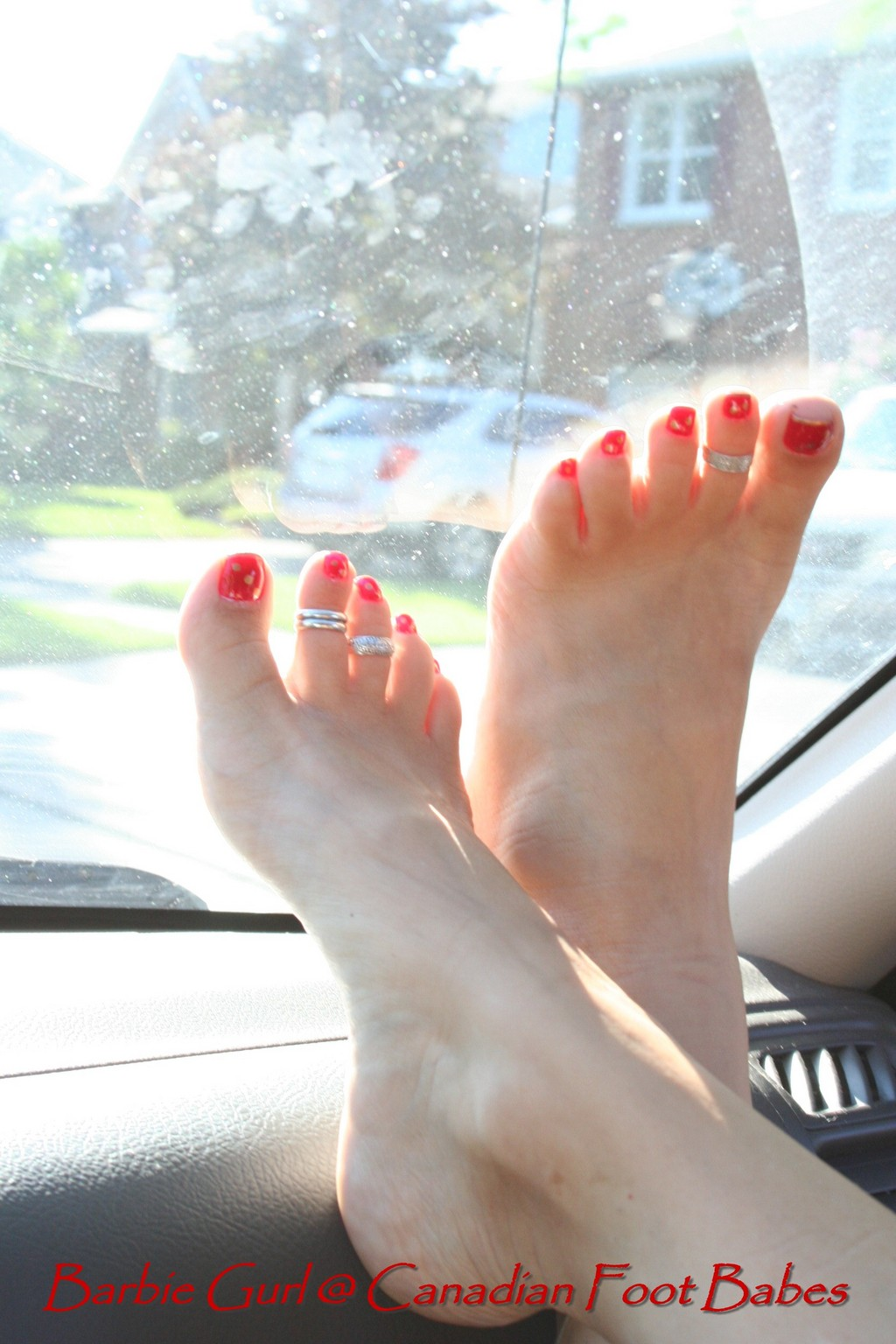 Canadian Foot Babes Picture Sets